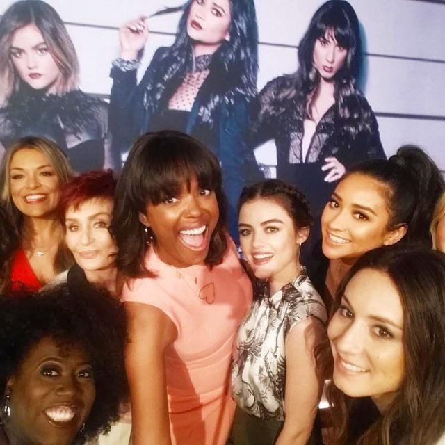 thetalkcbs with the cast of prettylittleliars Happy NationalSelfieDay! PLL